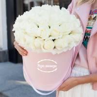 31 белая крупная роза в коробке R007