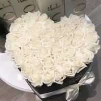 Сердце 35 крупных белых роз R010